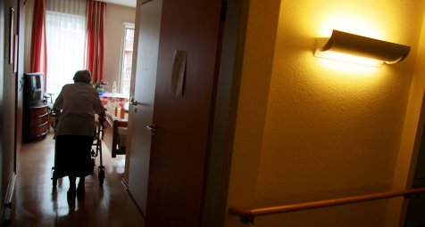 Besuchsbeschränkungen für hessische Altenheime aufgehoben