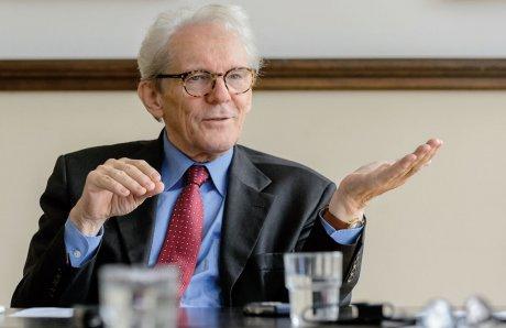 Interview mit Prof. Dr. med. Karl Max Einhäupl