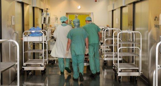 Der Barmer-Chef möchte ein verbindliches Mitspracherecht der Kassen an der Krankenhausplanung. /dpa