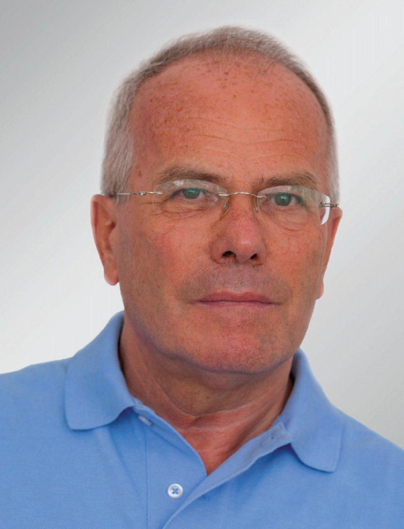 Wolf-Dieter Ludwig (oben) und Wilhelm Niebling bleiben Vorsitzender und stellvertretender Vorsitzender der AkdÄ. Foto: privat