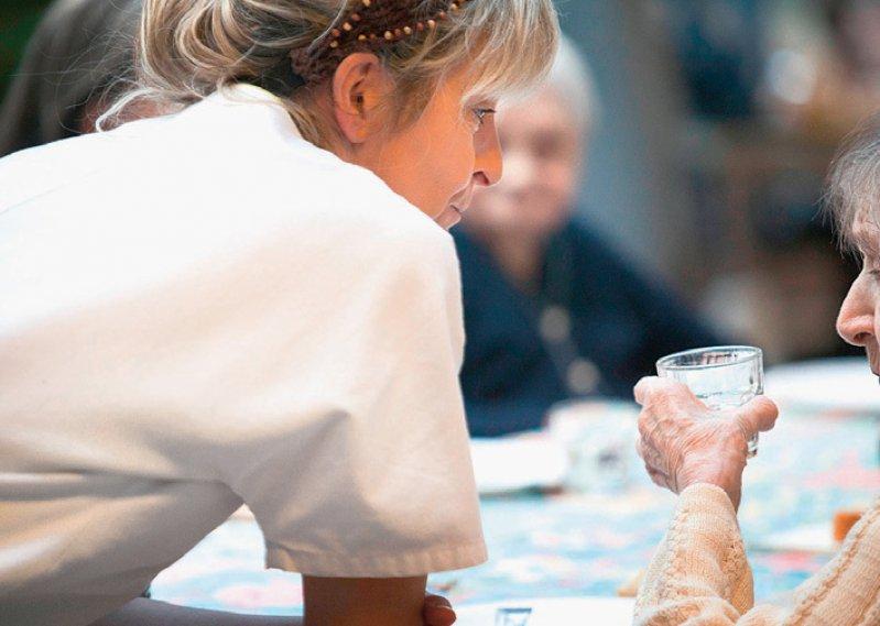 Knapp 197 000 Pflegefachkräfte gibt es in Nordrhein- Westfalen. Etwa 122 000 arbeiten in der Gesundheitsund Krankenpflege, knapp 75 000 in der Altenpflege. Foto: Your Photo Today