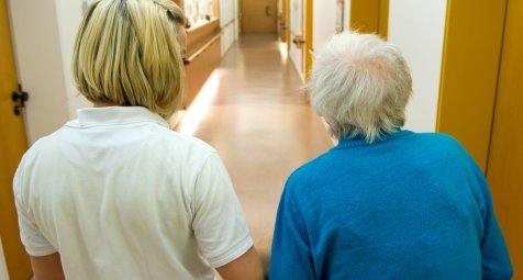 Nordrhein-Westfalens Sozialministerium rügt Pflegeheim wegen...