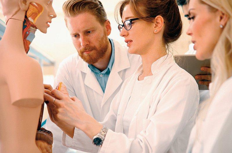 Die Reputation ambulant tätiger Ärztinnen bleibt hinter der der männlichen Kollegen zurück. Foto: nd3000/stock.adobe.com