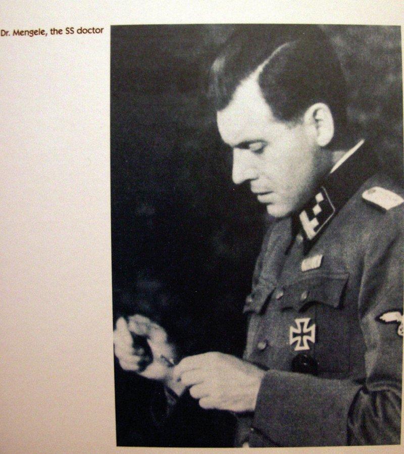 Engel des Todes – Das war der Spitzname von Josef Mengele, der als Lagerarzt in Auschwitz grausame Menschenversuche vornahm. Er wurde nach dem Krieg als NS-Kriegsverbrecher gesucht, aber nie gefasst. Foto: dpa