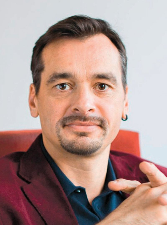 """Jens Tiedemann ist analytischer und psychodynamischer Psychotherapeut und beschäftigt sich seit vielen Jahren mit Schamgefühlen. Von ihm erschien das Buch """"Scham"""" im Psychosozial-Verlag. Foto: privat"""