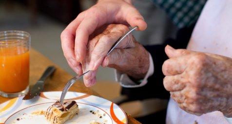 Breite Zustimmung für eine Pflegegeld für betreuende Angehörige