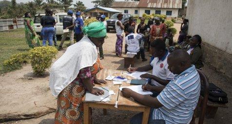 """WHO spricht nach Ebolafall in kongolesischer Großstadt von """"Warnung"""""""