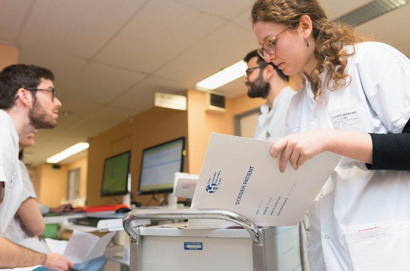 Kosten für das Pflegepersonal müssen die Krankenhäuser ab dem Jahr 2020 mit den Krankenkassen aushandeln. Foto: mauritius images