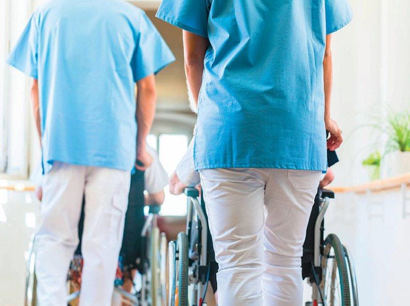 Honorarpflegekräfte sind wie Honorarärzte in der Regel sozialversicherungspflichtig. Foto: picture alliance