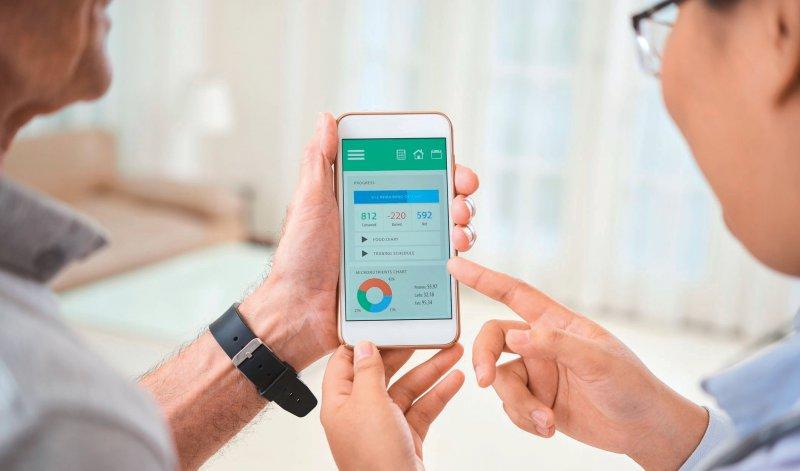 Beratung für die ärztliche Versorgung? Im Ausland sind Apps Teil des Versorgungsalltags. Hierzulande soll dies auch kommen. Foto: DragonImages/iStock