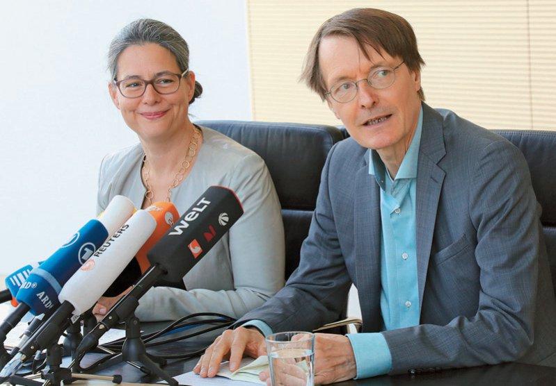 Nina Scheer und Karl Lauterbach wollen die neue Doppelspitze der SPD werden. Foto: picture alliance/dpa