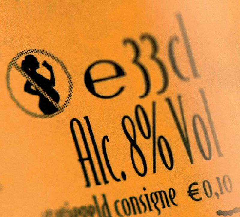Für ein Warnlogo auf Alkoholika setzt sich eine neue Petition ein. (http://daebl.de/MC36). Foto: dpa
