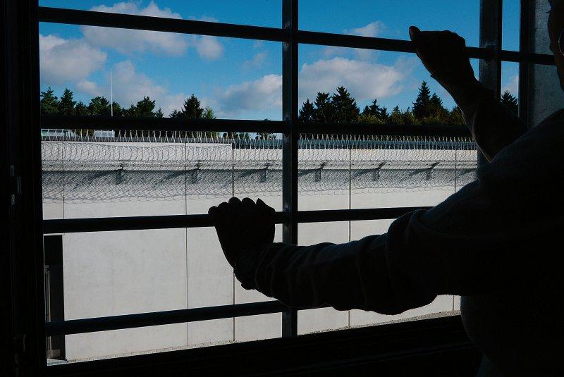 Jeder dritte Patient ist länger als zehn Jahre im Maßregelvollzug, der damit häufig sehr viel länger dauert als die parallel verhängte Freiheitsstrafe. Foto: picture alliance/Felix Kästle, dpa
