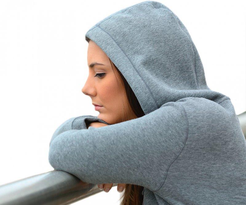 Assoziation zwischen Ovulationshemmer und Depressionserkrankung: Mädchen und Frauen zwischen 15 und 19 Jahren, die zur Verhütung einer Schwangerschaft die Pille nahmen, hatten ein um 80 % erhöhtes Risiko für die Verordnung eines Antidepressivums. Foto: Antonioguillem/stock.adobe.com