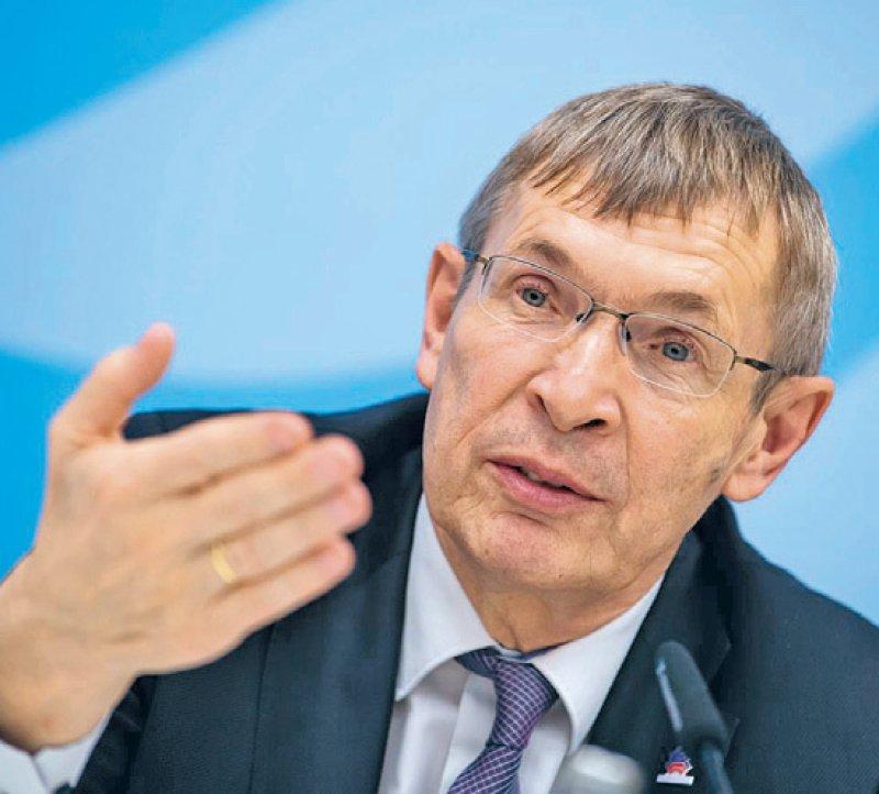 Klaus Cichutek ist Präsident des Paul-Ehrlich-Instituts. Foto: picture alliance/dpa/Bernd von Jutrczenka