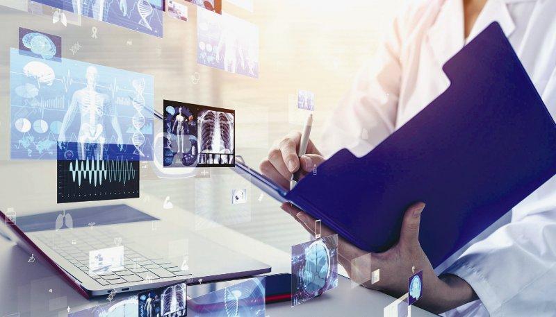 Die digitalen Akten kommen in die ab Anfang 2021 in die Praxis. Foto: metamorworks/iStock