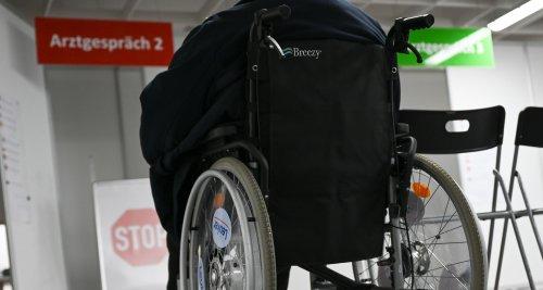 Kabinett regelt Kostenübernahme für Assistenz im Krankenhaus