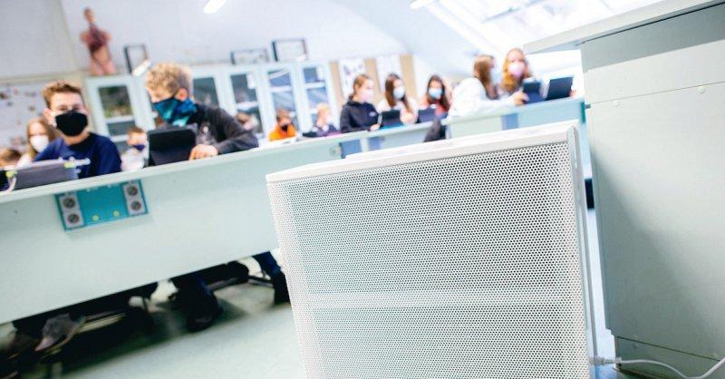 Raumlufttechnische Frischluftanlagen können Teil eines Hygienekonzepts an Schulen sein. Foto: picture alliance/dpa/Hauke-Christian Dittrich