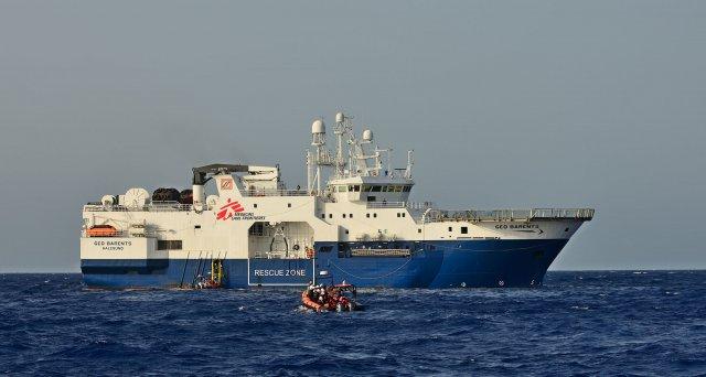 Rettungsschiff in Hafen von Augusta eingelaufen