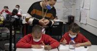 SARS-CoV-2: Weniger Infektionen an Schulen mit Maskenpflicht