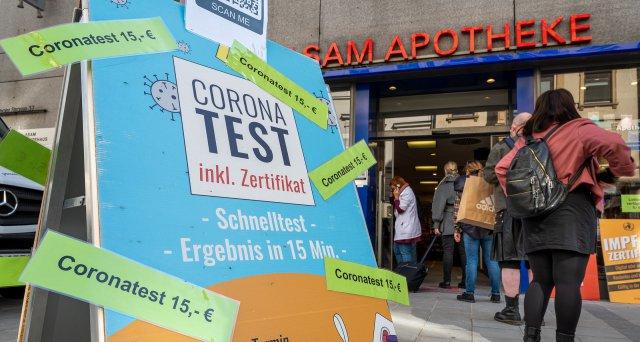 Laborärzte: Coronatests im Verdachtsfall weiter kostenfrei