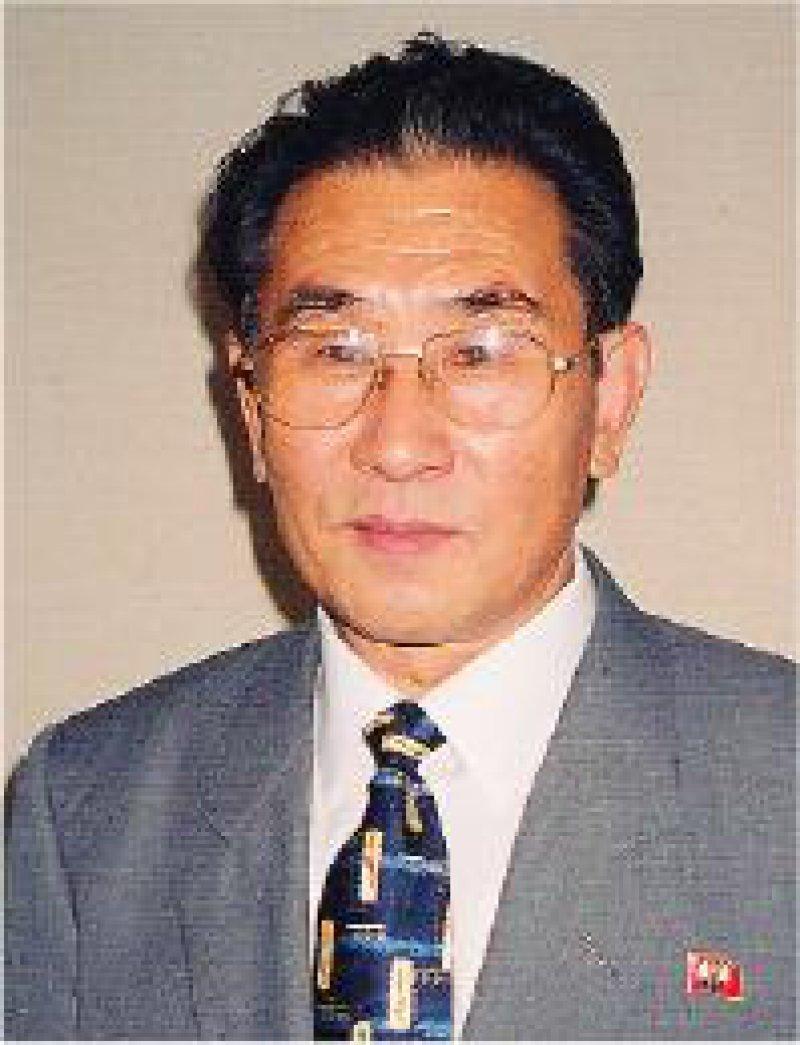 Vize-Minister für Gesundheit, Prof. Choe Chang- Sik: Jährlich könnten etwa zehn Ärzte zur Fortbildung nach Deutschland gehen. Foto: Karsten Vilmar