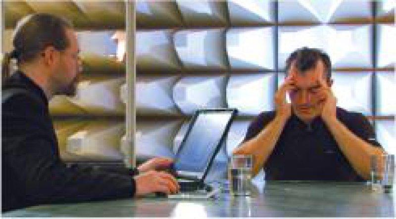 Kopfrechnen-Gigant Rüdiger Gamm (rechts) beherrscht 50er-Potenzen zweistelliger Zahlen, achtstellige Winkelfunktionen – ohne Taschenrechner. Foto:ARTE/RB © colourFIELD