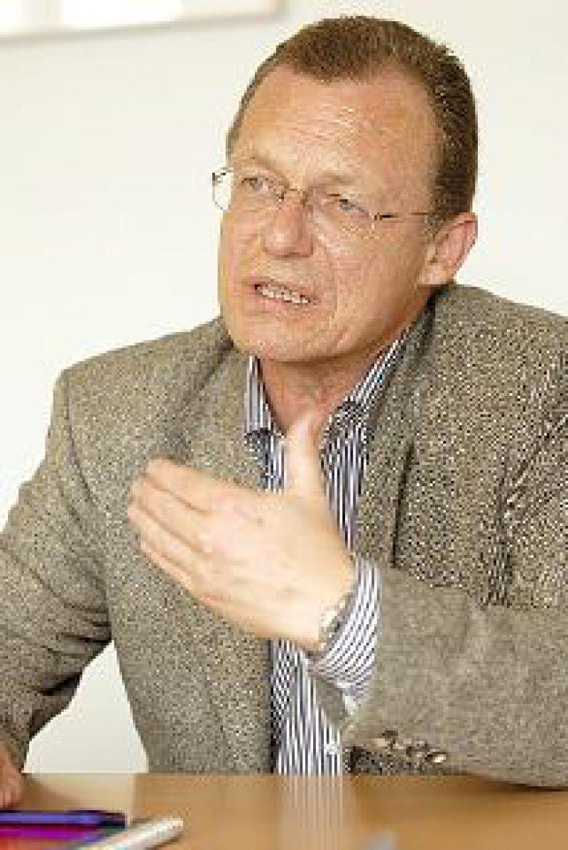 Rainer Kötzle (55), Allgemeinarzt in Aachen, ist seit Februar 2005 Vorsitzender des Deutschen Hausärzteverbandes.