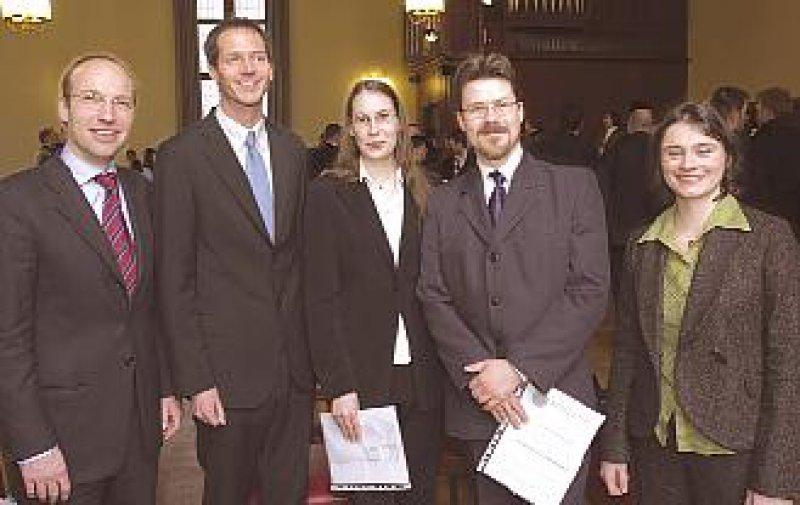 Die Preisträger (von links): Felix Zeifang, Kai Matuschewski, Beate Katharina Straub, Jakub Michal Swiercz und Freia Adrienne Albert De Bock. Foto: Kresin