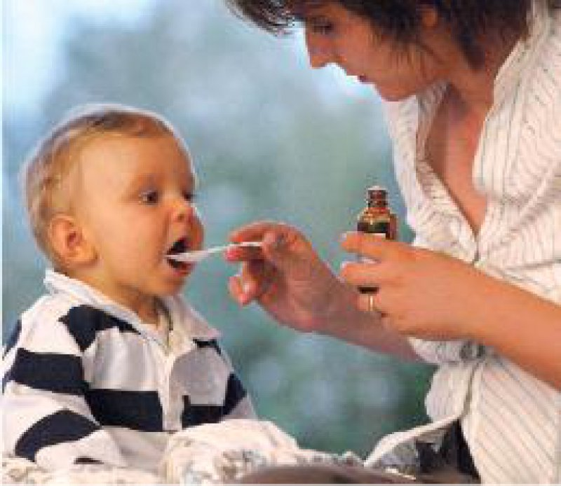 Rund 50 Prozent der zur Behandlung von Kindern eingesetzten Arzneimittel sind nicht zugelassen. Foto: JOKER