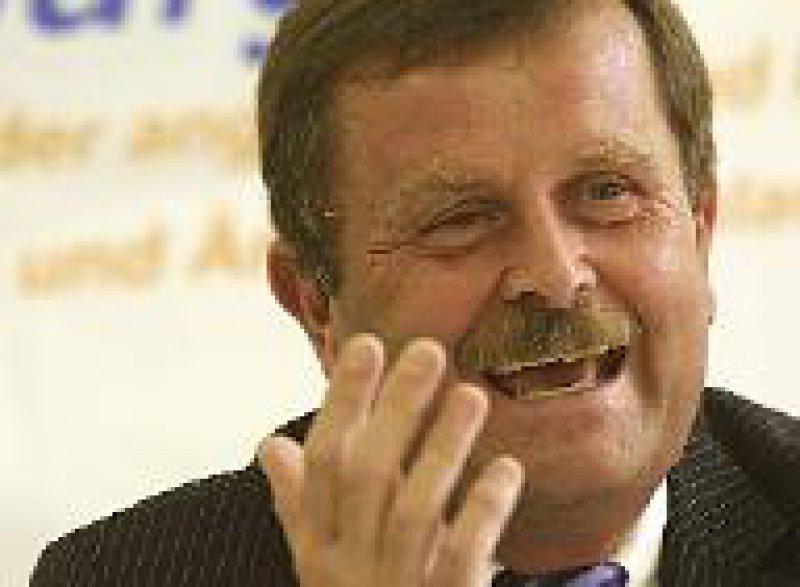 Dr. med. Frank Ulrich Montgomery (54) ist seit 1989 Bundesvorsitzender des Marburger Bundes. Foto: ddp