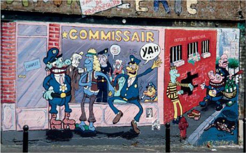 Opulente Straßenmalerei schmückt eine triste Ecke im 20. Arrondissement