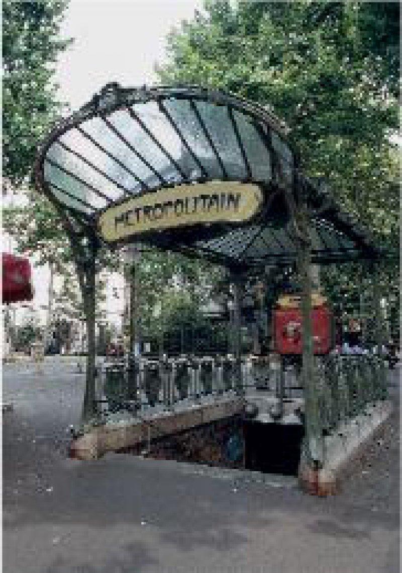 Montmartres Metro-Eingang im herrlichen Art-Nouveau-Stil Fotos: Christian Michael