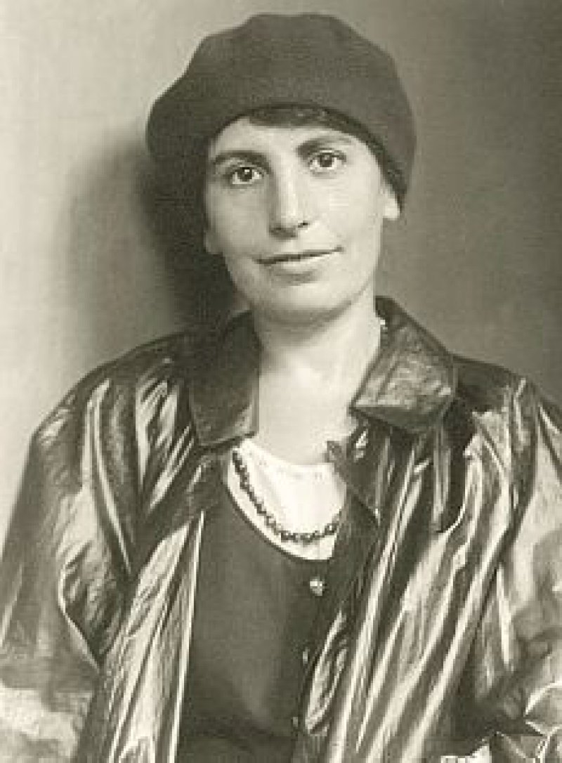 """""""Man fragt erstaunt, wo Gescheitheit und Originalität des Kindes eigentlich hingeraten. (...) Es ist offenbar nicht so ungefährlich, Kinder zur Bravheit zu erziehen. (...)"""" Anna Freud 1930 Foto: picture-alliance/Imagno"""