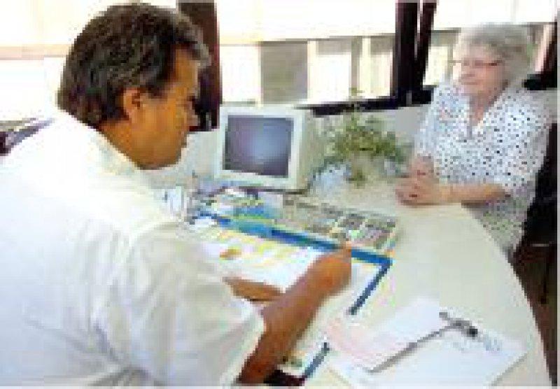 Wachsende Patientenzahlen in der Neurologie/ Psychiatrie: Ein Grund ist die ständig älter werdende Bevölkerung. Foto: Klaus Rose