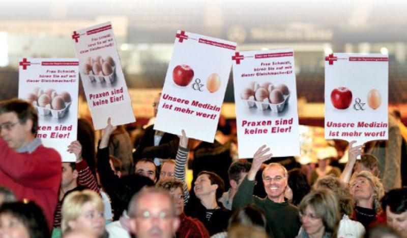 Mehr wert als ein Apfel und ein Ei: Baden-Württembergs Ärzte protestieren gegen Umverteilung und Honorardumping.