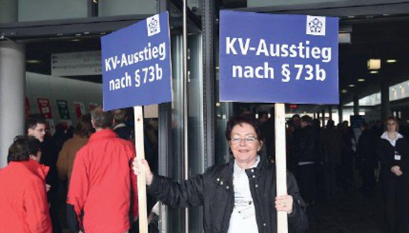 Wohlfeile Parolen: Der Ausstieg aus dem System löst nicht alle Probleme. Denn eine flächendeckende Versorgung wird so nicht gewährleistet. Foto: Horst Rudel