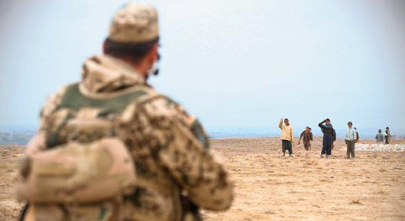 Auslandseinsätze können für Soldaten zu einer großen psychischen Belastung werden. Foto: laif