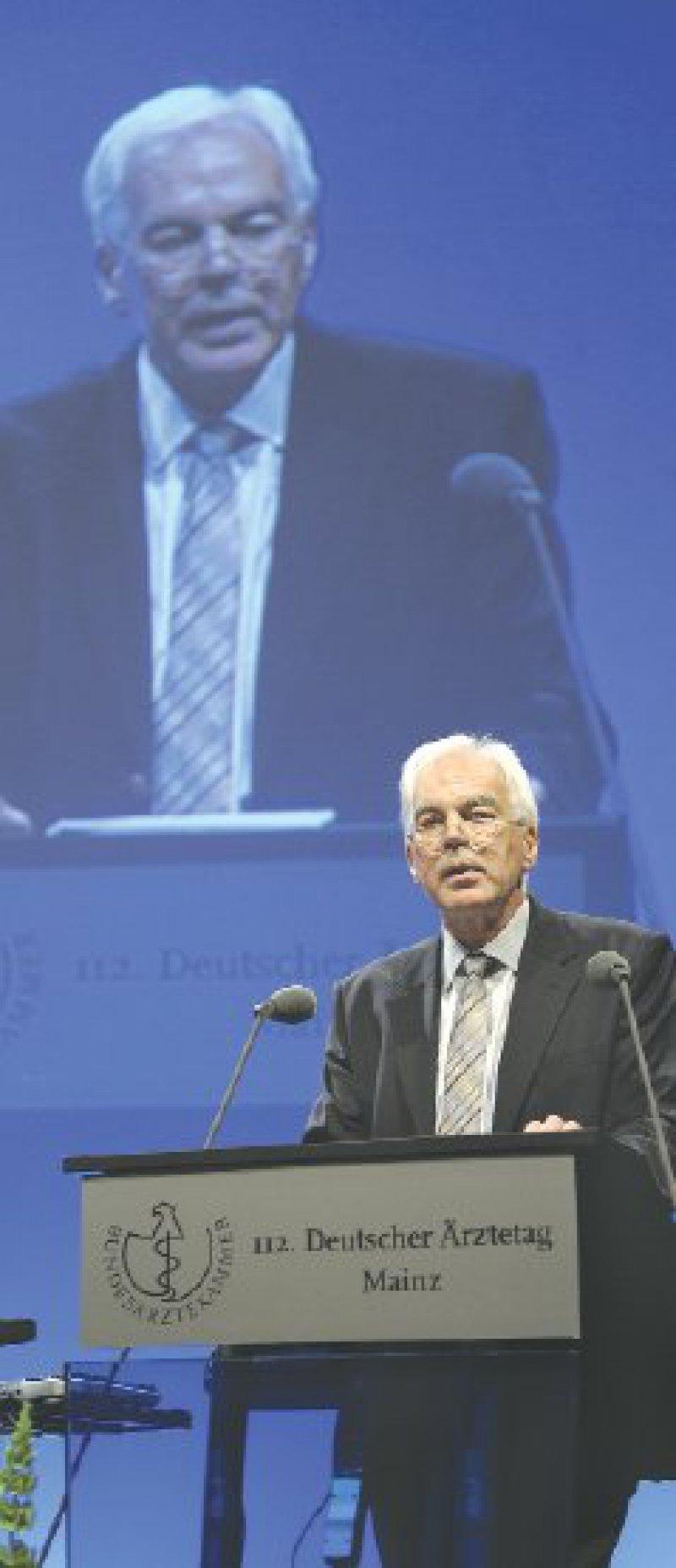 Für die Werte kämpfen, die den Arztberuf attraktiv machen: Christoph Fuchs forderte die Delegierten dazu auf, das hohe Gut der Freiberuflichkeit zu verteidigen.