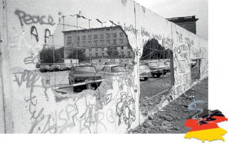 Die wirklich einschneidenden Veränderungen erfolgten im Osten nach dem Fall der Mauer. Lange Vertrautes verschwand binnen Kurzem. Fotos: dpa