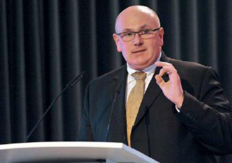 Die Reform abrunden: KBV-Vorstand Dr. med. Andreas Köhler will mehr Geld für die Grundversorger. Fotos: Georg J. Lopata