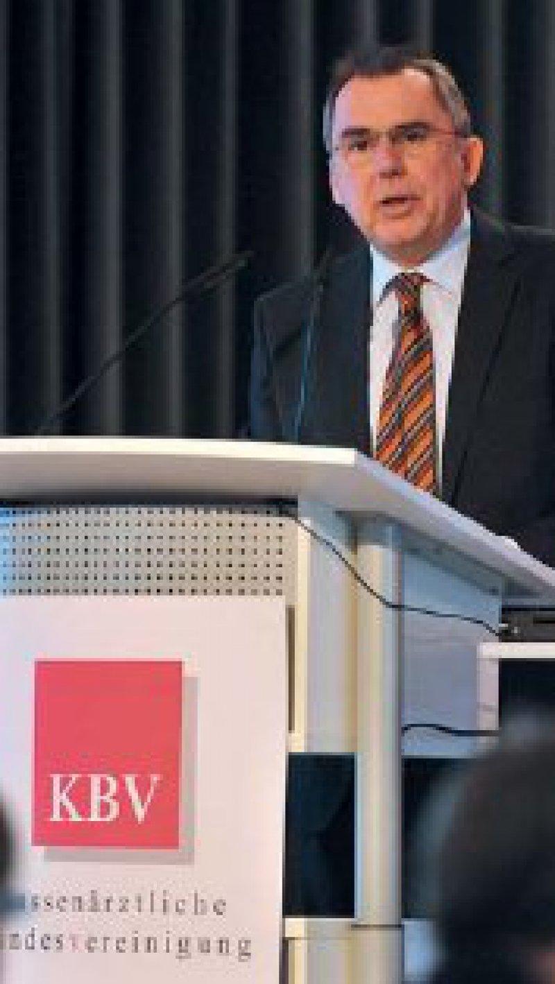 Gute Nachrichten hatte KBV-Vorstand Dr. Carl-Heinz Müller: Das Förderprogramm Allgemeinmedizin steht endlich.