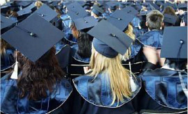 Bachelor und Master: 80 Prozent der Studiengänge sind inzwischen umgewandelt – Ausnahme ist die Medizin. Foto: Caro