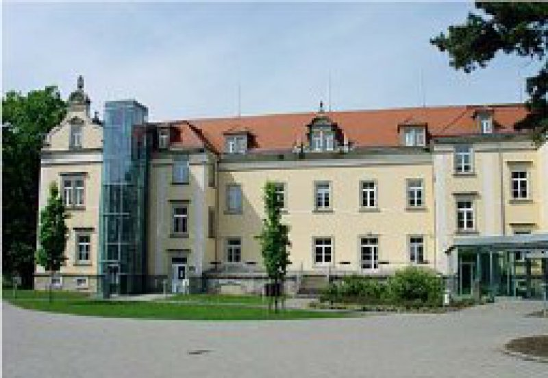 Gedenkstätte Pirna- Sonnenstein: 1940 und 1941 wurden dort mehr als 13 000 Patientinnen und Patienten vergast und verbrannt. Foto: wikipedia