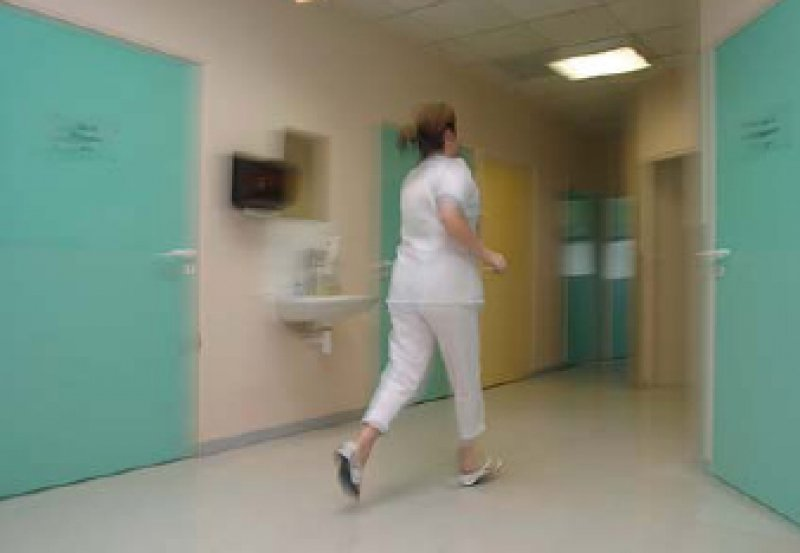 Keine Zeit, immer mehr Druck: Die Hälfte der Befragten würde nicht noch einmal Arzt werden. Foto: picture-alliance