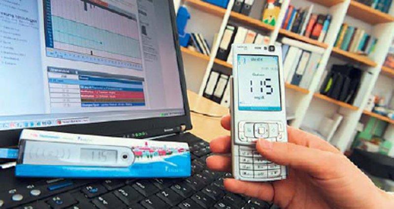 Vom Handy aus werden die Daten anonymisiert und per sicherer SSLVerbindung an die Online-Datenbank übertragen. Foto: BodyTel