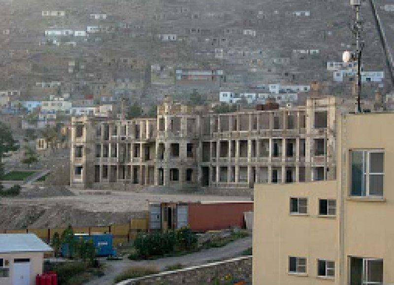 Nach 30 Jahren Krieg ist die medizinische Versorgung im Land nur noch rudimentär ausgebaut – die zerstörte Kabuler Uniklinik.