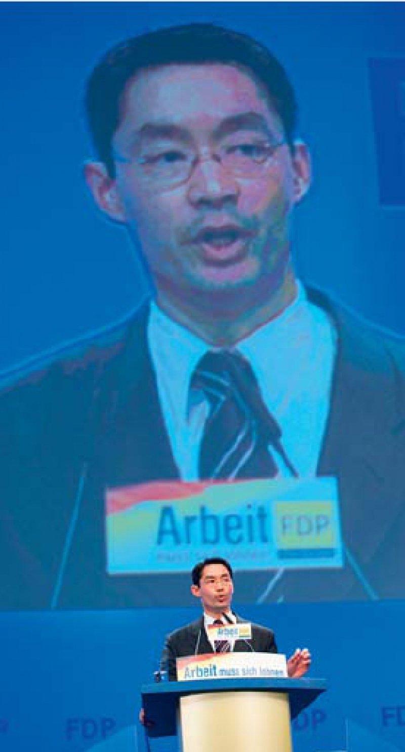 """""""Ärzte sollen wieder Freude an ihrem Beruf haben."""" Philipp Rösler beim FDP-Parteitag in Köln. Foto: dpa"""