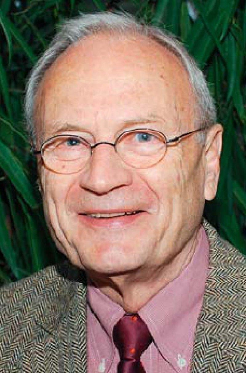 Prof. Dr. med. Albrecht Encke ist ein engagierter Verfechter der evidenzbasierten Medizin. Als langjähriger AWMF-Präsident setzte er sich für die Akzeptanz von Leitlinien ein. Foto: privat