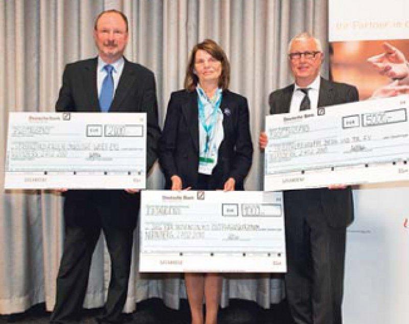 Hermann Müller, Elfriede Bollschweiler und Klaus F. Röttger (von links). Foto: PK Deutsche Krebsgesellschaft